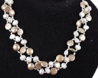 VINTAGE FRESHWATER PEARLS White and Gold Tone necklace small rock crystals