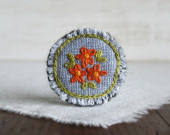 Orange Daisy Brooch, Floral Embroidery Brooch, Gift For Mom, Handmade Accessory, Under 30 Gift, Ooak Jewlery, Textile Art Brooch