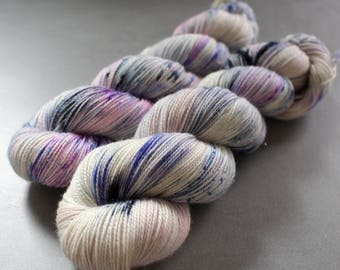 "Magpie - ""Ghostly"" - Superwash Merino, Nylon, Gold Stellina - Sock Yarn"