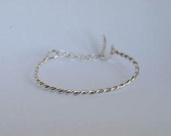 Silver twisted bracelet