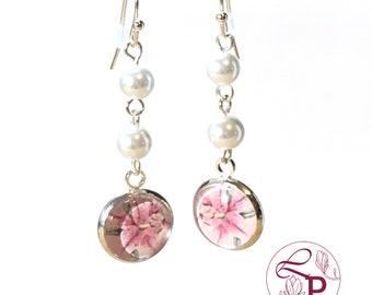 Pearl drop earrings | Flower earrings | Pearl earrings | Flower jewelry | Bridal earrings | Beaded earrings | Bridal jewelry | Lily earrings