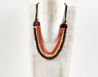 SHAIMA coral necklace / pink / dark red - gem / Tagua / vegetable ivory / natural / ethical / fair / woman / Ecuador