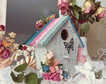 Small birdhouse wooden shabby chic style