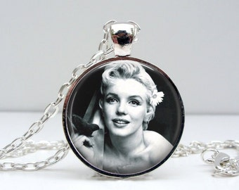 Marilyn Monroe Necklace - Flower Hair - Glass Photo Pendant Picture Pendant (1493)