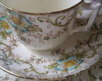 Vintage china trios /x4 tea cups saucers and tea plates/ pretty English china/ retro chintz /floral pottery/ships worldwide from UK