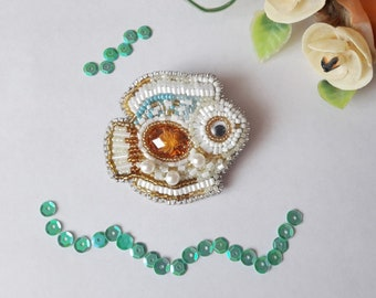 Brooch made of beads / brooches with beads / brooch fish