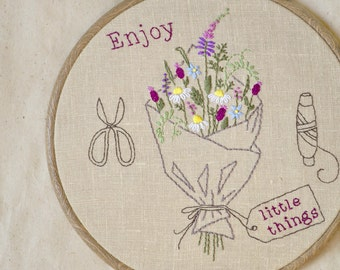 DIY Gift, Hand embroidery, hoop art, embroidery hoop, flower embroidery pattern, PDF embroidery pattern by NaiveNeedle