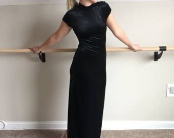 Black Velvet Turtleneck Short-Sleeve Maxi Dress Size Medium