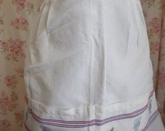 Vintage Apron Wench Vixen Homemaker Greek Ethnc Embroidered