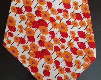 Pretty Poppy bandana drool bib