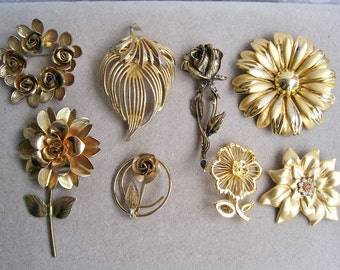 8 LARGE FLOWER BROOCHES Goldtone Rose Sunflower Rhinestone Wire Wrapped Lot Bridal