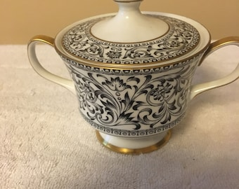 Spanish Lace Sugar bowl with lid by Sango