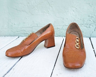 60s faux snakeskin fancy loafers with gold detail, size 6