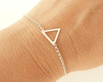 Tiny Triangle Bracelet in Sterling Silver, Dainty Bracelet, Gold Triangle Bracelet, Thin Chain Bracelet, 925 Sterling Silver Jewelry