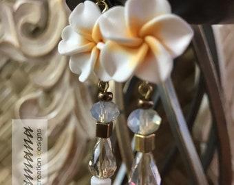Pua Melia (Plumeria) Collection - Medium White w/gold metal accents