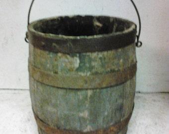 Wooden paint bucket