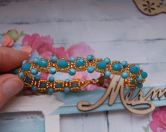 Bracelet made of crystals and beads in assortment