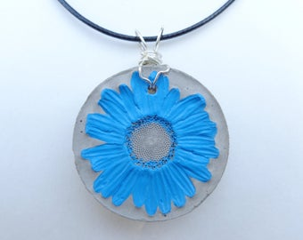 Concrete necklace - Real daisy necklace - Real flower necklace - Concrete jewelry - Concrete flower - Concrete art - Concrete pendant
