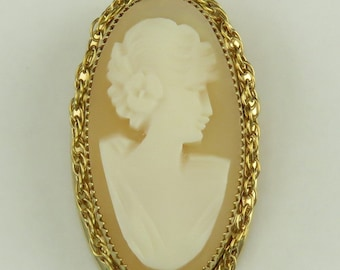 Vintage 1950s Gold Plated Carved Cameo Shell Cameo Pin/Brooch/Pendant