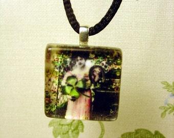 St Patrick's Day Shamrock Victorian Glass Pendant Necklace