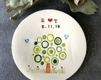Personalized Modern Tree Wedding Ring Holder  Little Bird Ceramic Ring Dish Ivory Ring Pillow Custom Ring Bearer Green Tree Pottery