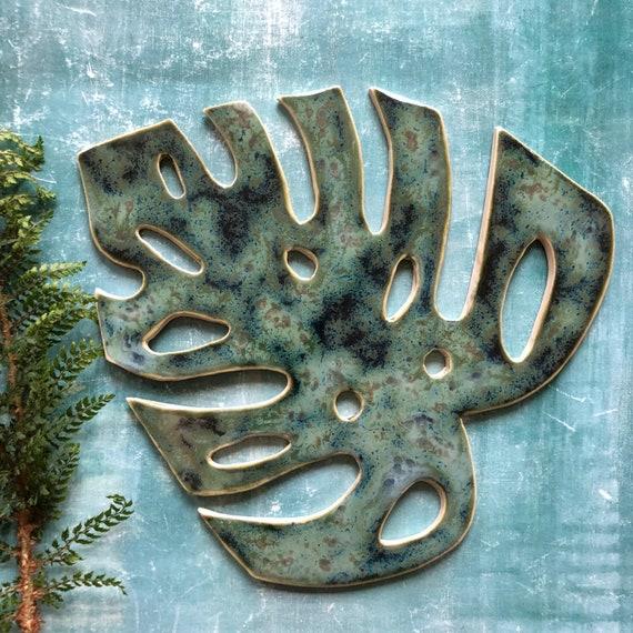Large monstera stoneware leaf