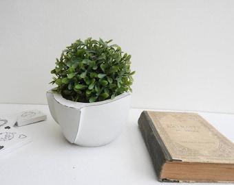 Planter - light grey concrete planter geometric concrete-concrete geometric pot