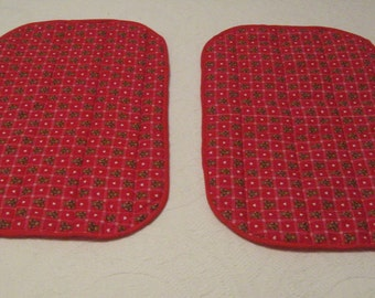 Set of Two Oval Red Heart and Teddy Bear Placemats
