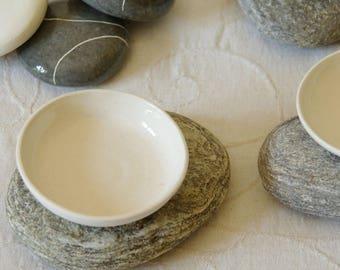 Cut Pebble XL white glazed earthenware