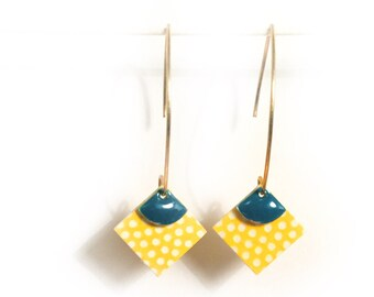Earrings pattern paper round Japanese white polka dots on yellow background with blue enameled sequin