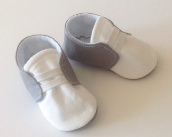 Gray & White Baby Shoes with Elastic | Newborn size up to 18 Months