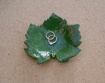 Green ceramic leaf ring dish - tealight holder - teabag catcher - jewellery tray