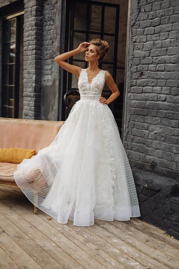 Wedding dress \'MILANA\' // Full lace wedding dress