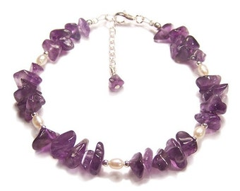 Amethyst and Pearl Sterling silver bracelet - purple gemstone chips, creamy pearls