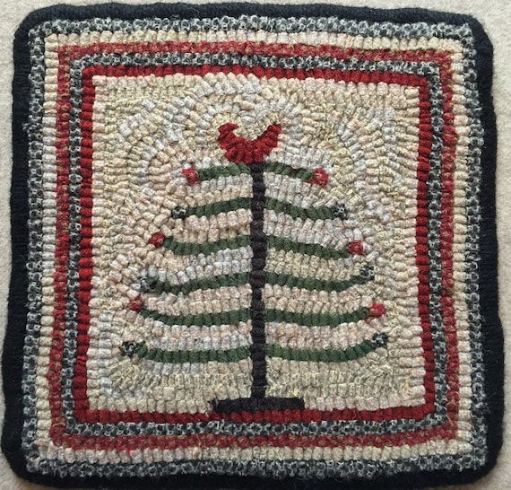 """Rug Hooking Pattern, Feather Tree Mat,  9"""" x 9""""  P123"""