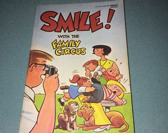 1976 - Smile! with The Family Circus - The Family Circus By Bil Keane - Paperback