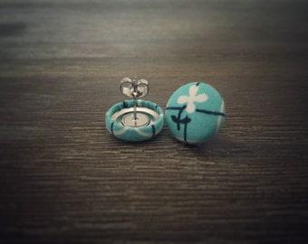 Blue and White Earrings. Flower Print Fabric Earrings. Fabric Covered Button Earrings. Handmade Earrings. Stud Earrings. Clip On Earrings.
