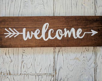 Welcome Sign | Rustic | sign | home decor | door | porch | arrow | farmhouse | welcome | decor | distressed | Country Cottage |