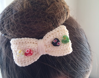 Thread Crochet with millefiore heart beads, cream thread