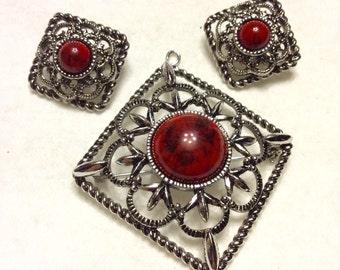 Vintage Sarah Coventry red jasper and silver filigree metal brooch earrings set.