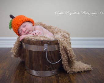 Pumpkin Hat. Baby Halloween Beanie. Crochet Orange Fall Hat. Knit Newborn Take Home Outfit. Halloween Photo Prop.