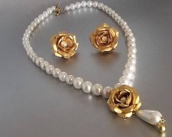 Elegant Faux Pearl Rose Bloom Necklace Set