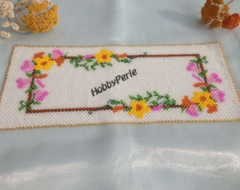 Doily with flowers