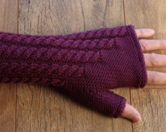 Merino Wool Fingerless Gloves - Mittens - Cable Pattern - Blackcurrant / Purple