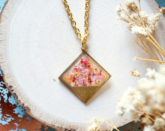 Real Dried Flowers in Resin, Brass Diamond Necklace in Pink Red Orange