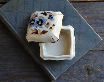 Vintage Zsolnay porcelain jewelry box, porcelain box, porcelain jewelry box, floral porcelain box, floral box, cornflower porcelain, COFV22
