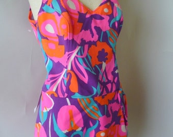 Vintage Skirted One Piece Swimsuit / size 10 12 14 / Medium 1960's PENNEYS 1970's / Poly Pink Purple FLORAL