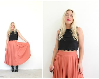 """1980s Coral and Pleat Skirt // Size Small // Waist 27"""" to 28"""""""