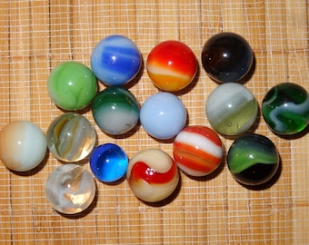 Lot of 15 Vintage Marbles / Glass Marbles / Game Marbles / Toy Marbles / Craft Supplies / Jewelry Supplies / Marble Lots / Lot #284