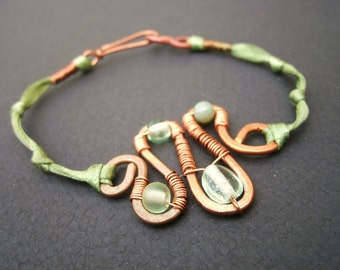Hammered Copper Squiggle Wire Wrapped Green Ribbon Bracelet